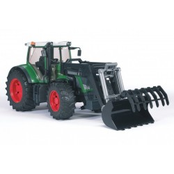Tracteur-Fendt-936-avec-fourche