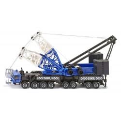 Grue mobile géante bleue