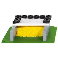 Silo horizontal avec bâche, pneus et granulés - Siku 5606