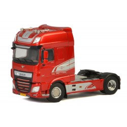 Tracteur DAF XF Super Space MY2017 rouge - WSI
