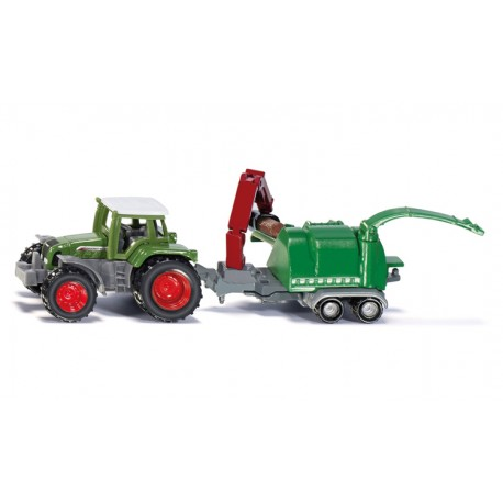 Tracteur Fendt avec broyeur de branches
