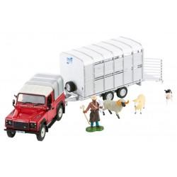 Land Rover avec bétaillère et animaux