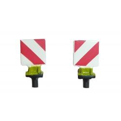 2 panneaux de signalisation de Claas Xerion