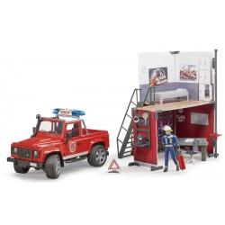 Caserne de pompiers avec land Rover - Bruder