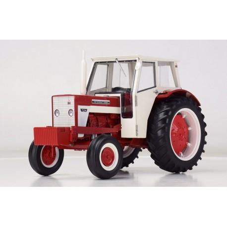 Tracteur IH 624 avec chauffeur - Replicagri