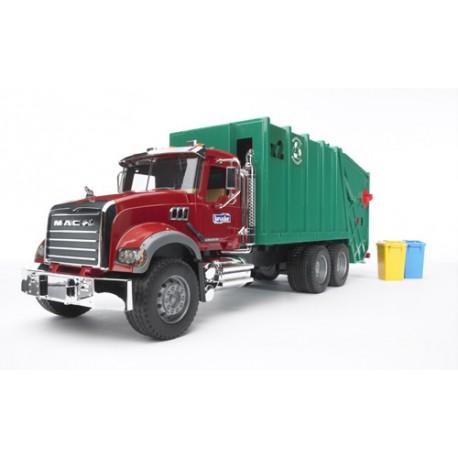Camion-poubelle-Mack-chargement-arrière