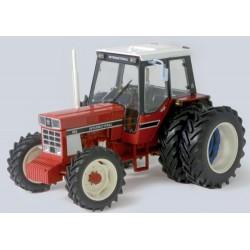 Tracteur-IH-955-jumelé-arrière