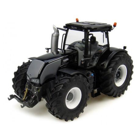 Tracteur-Valtra-S-noir-en-roues-Trelleborg---série-limitée