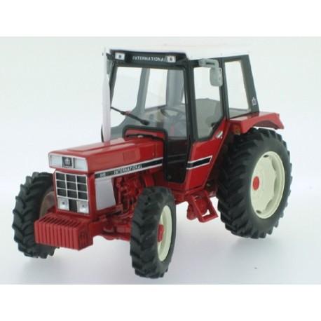 Tracteur IH 845