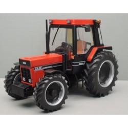 Tracteur Case IH 845 XL noir et rouge