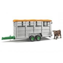 Bétaillère avec une vache