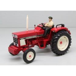 Tracteur IH 644 avec chauffeur